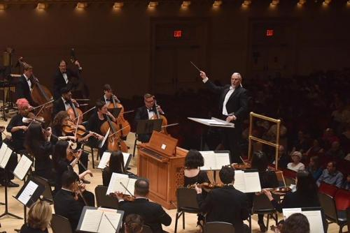 """Allan conducting his """"Te Deum"""" at Carnegie Hall, 2018"""
